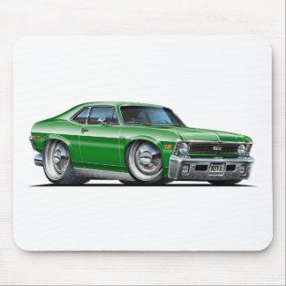 Coche verde de Chevy Nova Alfombrillas De Raton