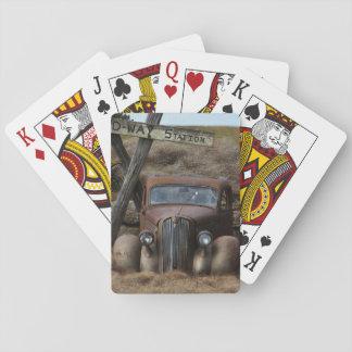 Coche viejo barajas de cartas