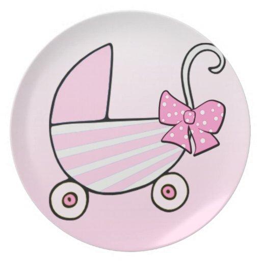 Cochecillo de bebé rosado de la niña plato