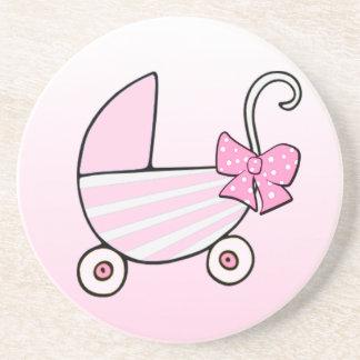 Cochecillo de bebé rosado de la niña posavasos cerveza