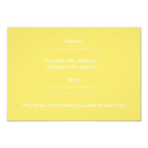 Cochecito de bebé amarillo comunicado personalizado