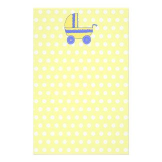 Cochecito de bebé amarillo y azul tarjeta publicitaria