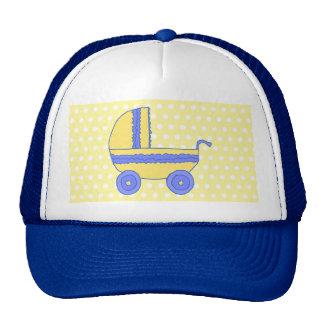 Cochecito de bebé amarillo y azul gorro
