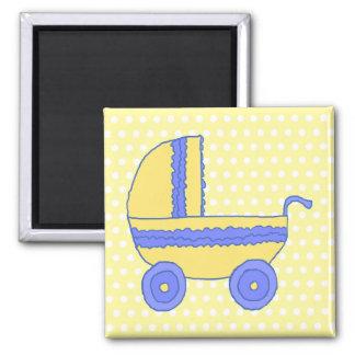 Cochecito de bebé amarillo y azul imán para frigorífico
