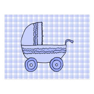 Cochecito de bebé. Azul claro en modelo del Tarjeta Postal