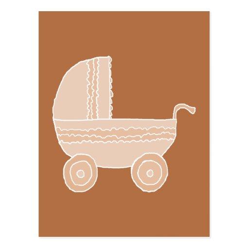 Cochecito de bebé beige pasado de moda en Brown Tarjeta Postal