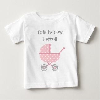 Cochecito de bebé divertido para el chica recién camisas