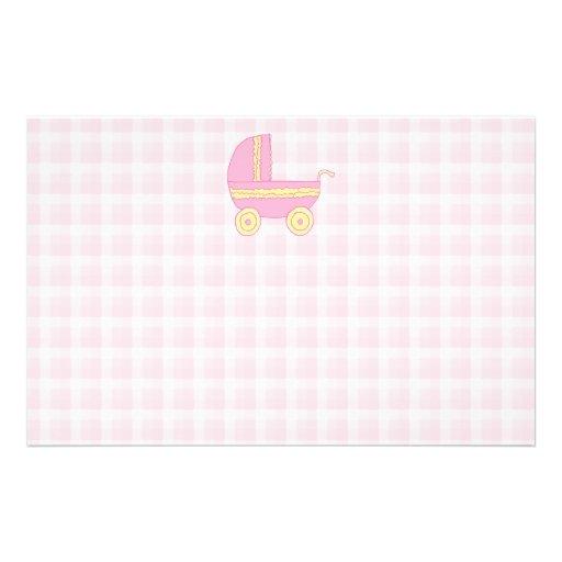 """Cochecito de bebé. Rosa y amarillo en control rosa Folleto 5.5"""" X 8.5"""""""