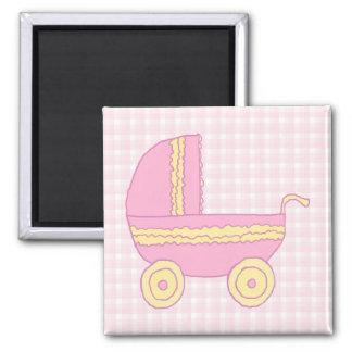 Cochecito de bebé Rosa y amarillo en control rosa Imán De Frigorífico