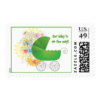 Cochecito de bebé verde sello postal