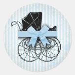 Cochecito de niño y arco azules dulces del carro pegatinas redondas