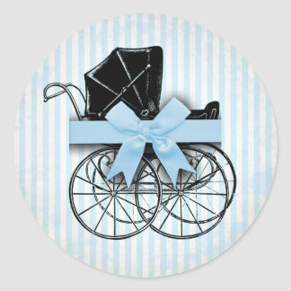 Cochecito de niño y arco azules dulces del carro pegatina redonda