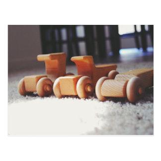 Coches de madera postales