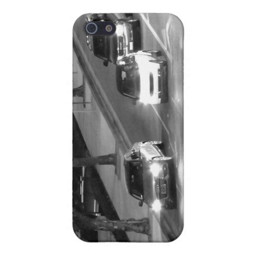 Coches en una luz de la parada iPhone 5 carcasa