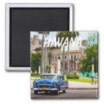 Coches retros en la calle de La Habana Imán Cuadrado