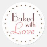 Cocido con el círculo decorativo del amor etiquetas redondas