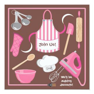 Cociendo o cocinando la tarjeta de la invitación