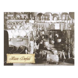 Cocina americana temprana con el mobiliario del pe tarjeta postal