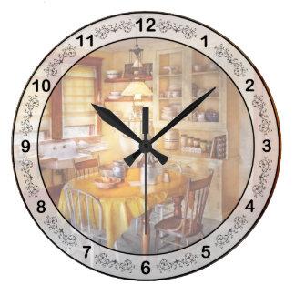 Cocina - cocina típica de la granja reloj redondo grande