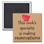 Cocina de la actitud de la diva contra restaurante imanes