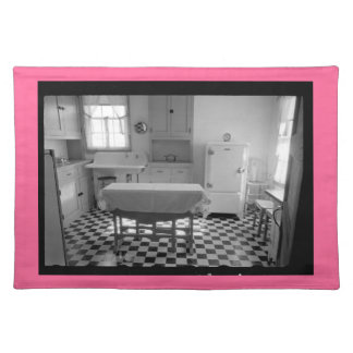 Cocina Placemat (frontera rosada) de la granja de Mantel