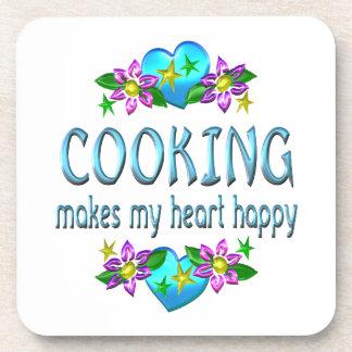 Cocinando el corazón feliz posavasos de bebidas