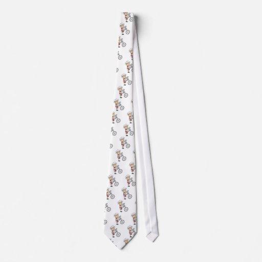 Cocinero de sexo femenino con las camisetas y los  corbatas