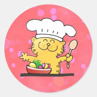 Cocinero divertido divertido del gatito del dibujo pegatina redonda