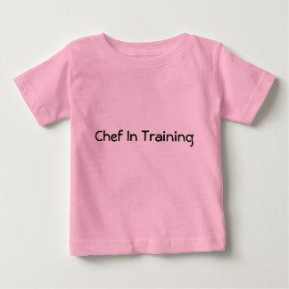 Cocinero en el entrenamiento playeras