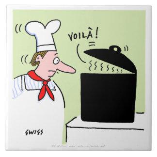 Cocinero francés con el pote negro en dibujo azulejo cuadrado grande