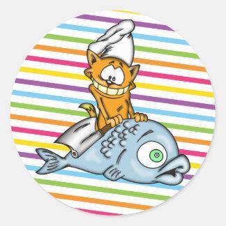 Cocinero y pescados del gato del dibujo animado pegatinas redondas