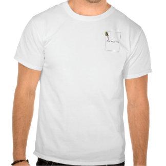 Cockatiel de varios colores en una rama con blanco camiseta