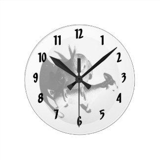 Cockatiel en círculo del bw de la cabra reloj redondo mediano