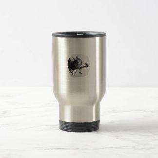 Cockatiel en imagen blanco y negro de la cabra de  tazas de café