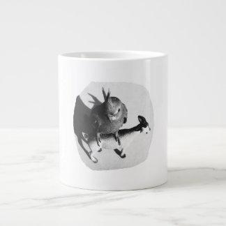 Cockatiel en imagen blanco y negro de la cabra de  taza extra grande