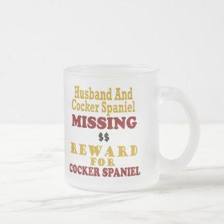 Cocker spaniel y recompensa que falta del marido p tazas de café
