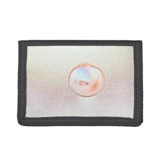 cockle shell invert outline seashell design tri-fold wallet