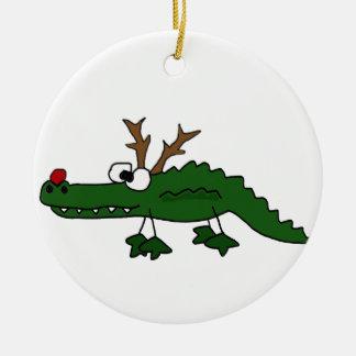 Cocodrilo divertido del navidad como reno adorno navideño redondo de cerámica