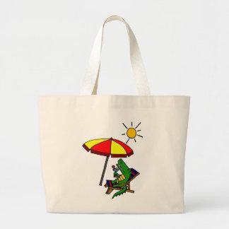 Cocodrilo divertido en el diseño de la playa bolsa