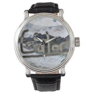 cocodrilo invertido con el cocodrilo de la palabra reloj