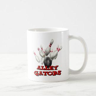 Cocodrilos del callejón taza de café