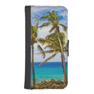 Coconut palm trees (Cocos nucifera) swaying in iPhone SE/5/5s Wallet