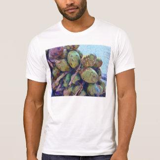 Cocos blandos en una pila camisas