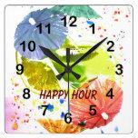 cóctel con el reloj de papel colorido de los parag