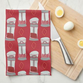 Coctelera de sal italianas y de pimienta de la toallas de cocina