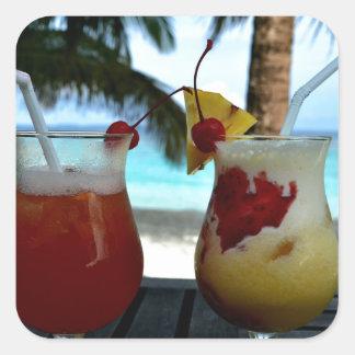 Cócteles con playas pegatina cuadrada