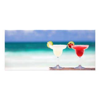Cócteles en la playa tarjetas publicitarias