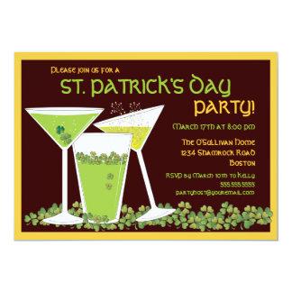"""Cócteles y cerveza del verde del día de St Patrick Invitación 5"""" X 7"""""""