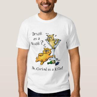 Cócteles y gatitos - tapados con corcho como camisas
