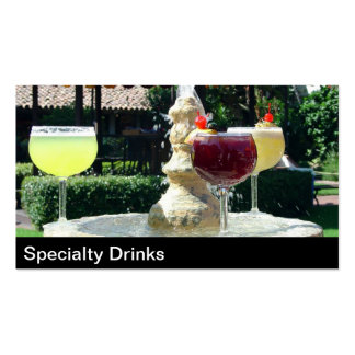 Cócteles y tarjeta de visita de las bebidas